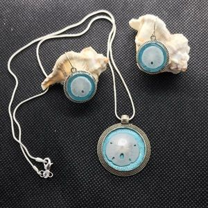 Jewelry - Real Sand Dollars necklace and earrings